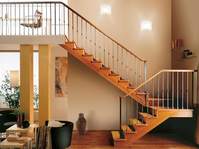 escalier d int rieur en bois rintal gara. Black Bedroom Furniture Sets. Home Design Ideas